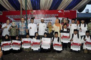 Menteri sosial RI salurkan bantuan di Pon pes Nurut Taqwa